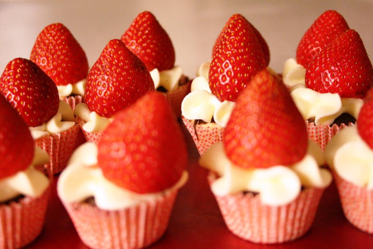 Mini-jordbærtærter med marcipan